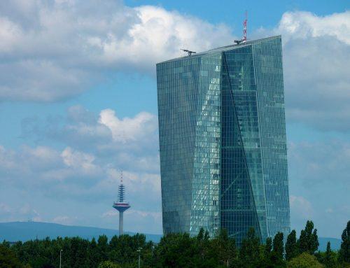 Mitarbeiter der EZB rechnen mit Inflation